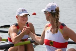 Dorothee Beckendorf und Friederike wünschen sich vor dem Start Glück